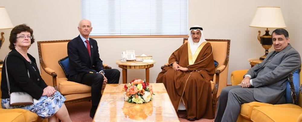 الشيخ خالد بن عبد الله يستقبل الرئيس التنفيذي للكلية الملكية للجراحين بدبلن