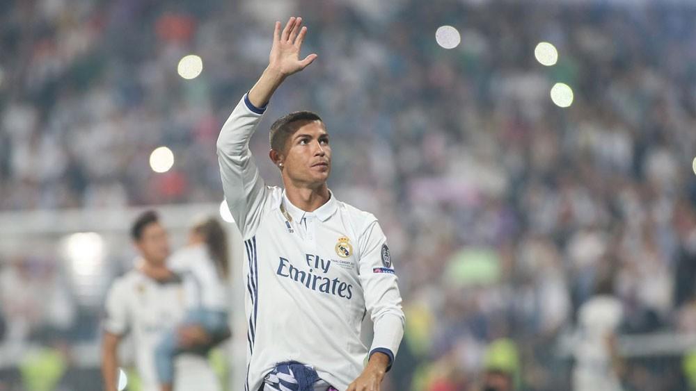 ريال مدريد يعلن رحيل أسطورته رونالدو إلى يوفنتوس