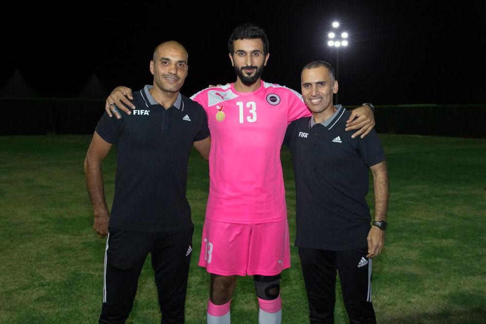 ناصر بن حمد يشيد بالظهور الرائع للحكمين شكرالله وتلفت في كأس العالم