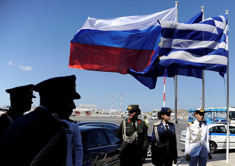 """اليونان.. طرد دبلوماسيين روس """"تدخلوا"""" بملف مقدونيا"""