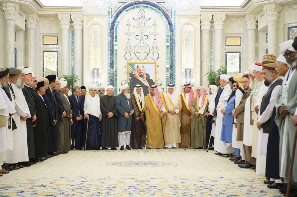 الملك سلمان: متفائلون بطي صفحة الماضي في أفغانستان