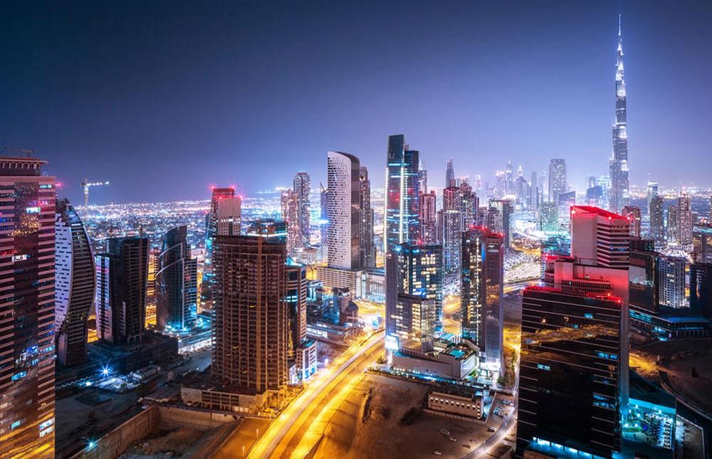 الإمارات تعتمد تطبيق نظام رد ضريبة القيمة المضافة للسياح