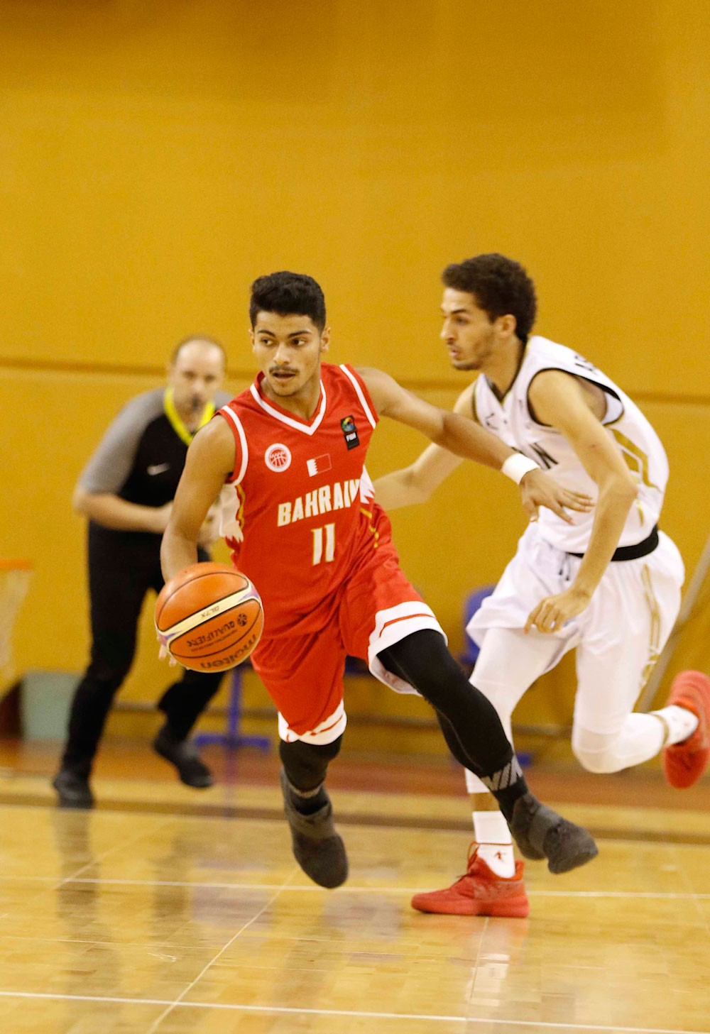 """الأحمر يطيح بـ""""نشامى الأردن"""" ويحجز مقعده بالمربع الذهبي"""