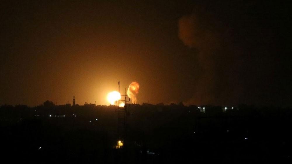 بعد هدوء لساعات.. إسرائيل تقصف غزة