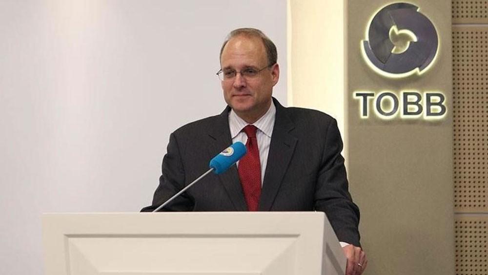 وفد أميركي في تركيا.. وعقوبات جديدة بانتظار إيران