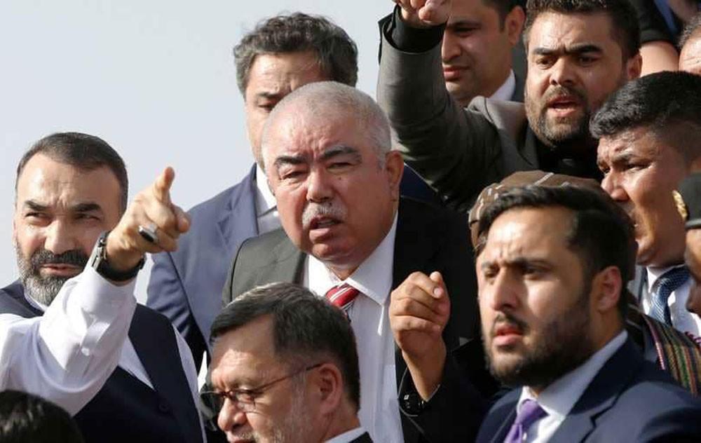 نجاة نائب الرئيس الإفغاني من هجوم انتحاري