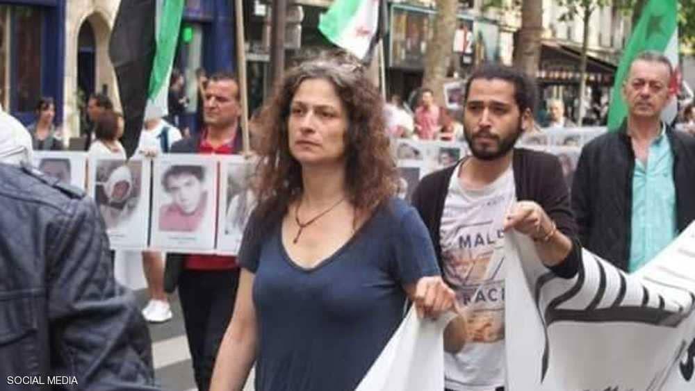 """السوريون يودعون """"الفنانة الثائرة"""""""