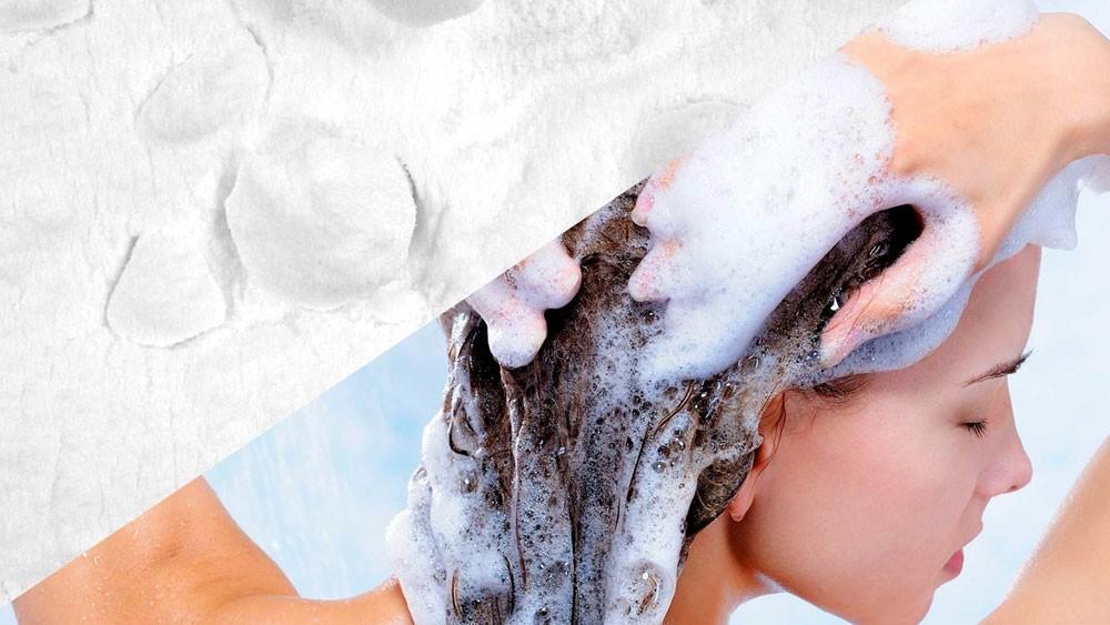 5 بدائل طبيعية لغسل الشعر من دون شامبو