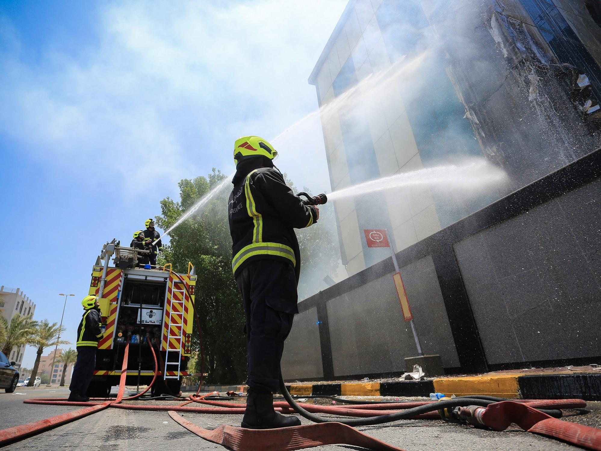 الدفاع المدني يخمد حريقاً اندلع في مزرعة بالهملة