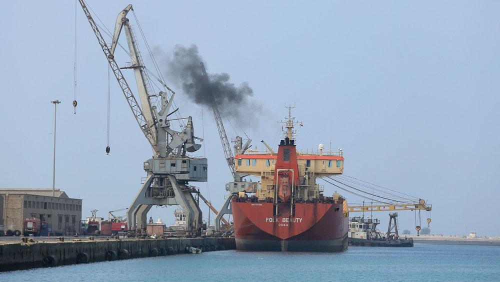 اليمن.. التحالف يصدر 9 تصاريح لسفن تحمل مواد أساسية
