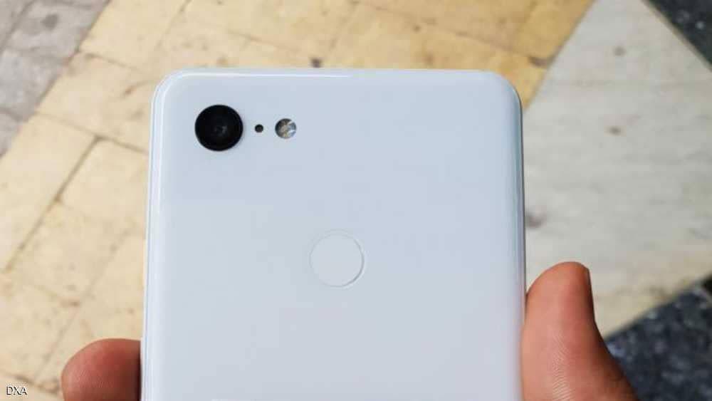 """""""الأبيض الناصع"""" يميز هاتف غوغل الجديد"""