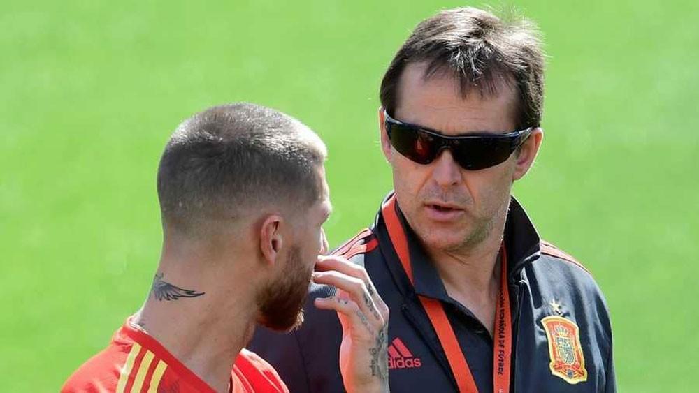 """مدرب ريال مدريد و""""سر النظارة السوداء"""""""