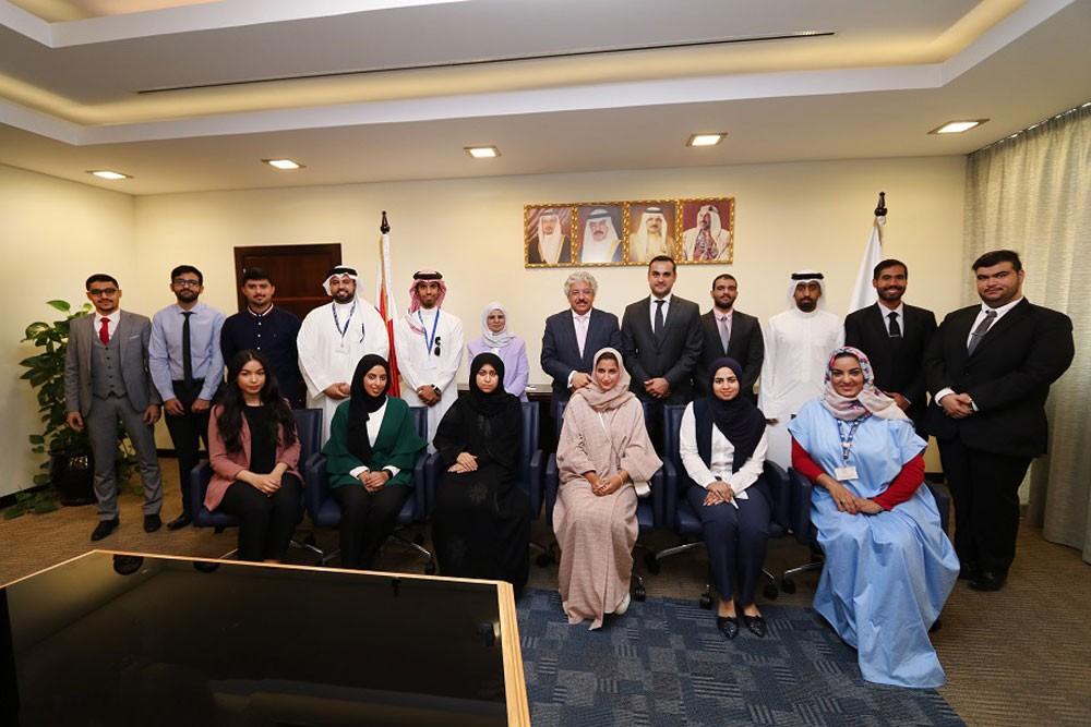 أ.د حمزة: جامعة البحرين تشجِّع طلبتها على تحقيق الإنجازات اللائقة بسمعة مملكة البحرين