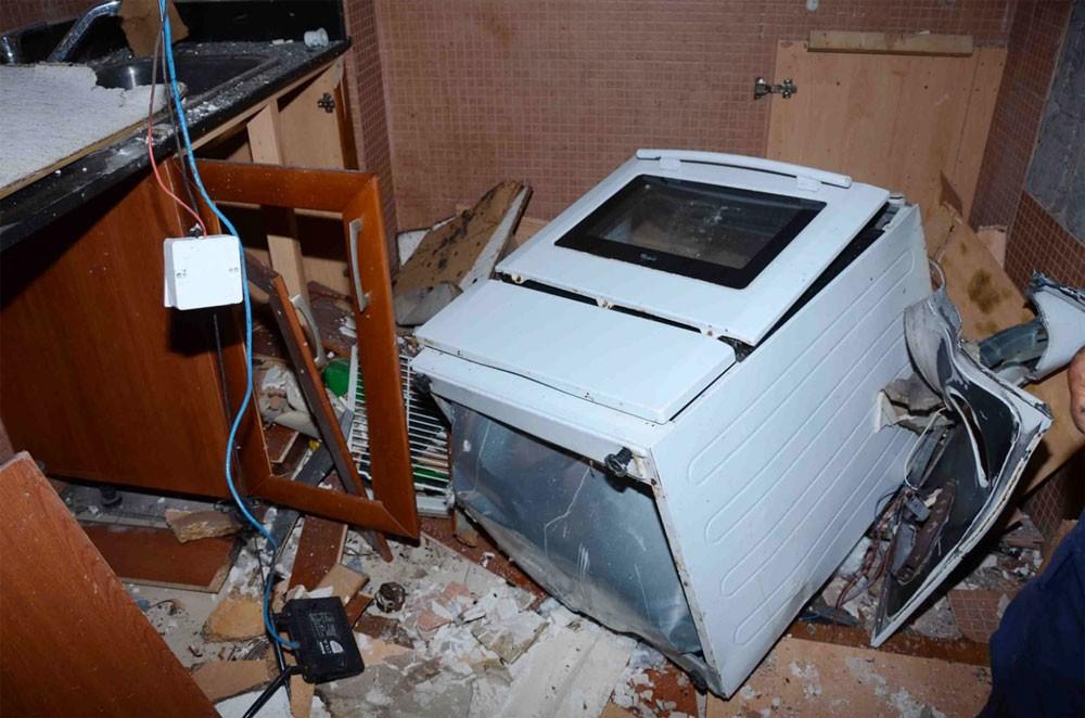 تضرر مبنى وإصابة شخصين إثر انفجار غازي ناتج عن موقد الطبخ محلي