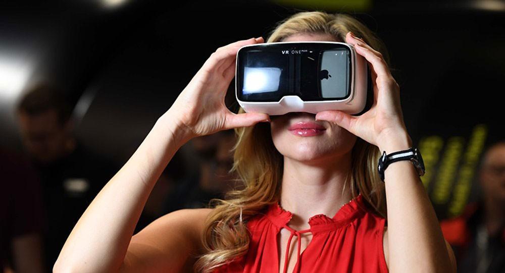 نظارة غوغل قد تساعد الأطفال المصابين بالتوحد على قراءة تعابير الوجوه