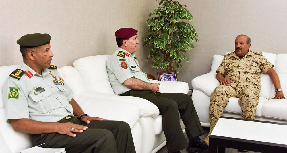 مساعد رئيس هيئة الأركان للقوى البشرية يلتقي وفدا من القوات المسلحة الأردنية الشقيقة