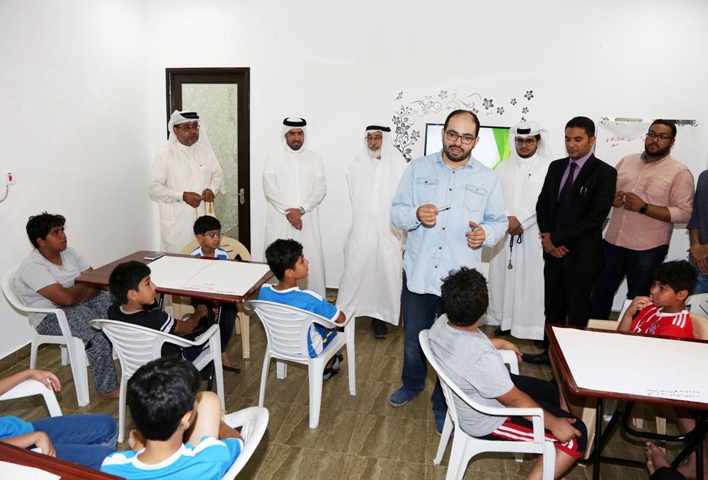عيسى بن علي: إدماج النشء والشباب في البرامج الصيفية يسهم في استثمار قدراتهم