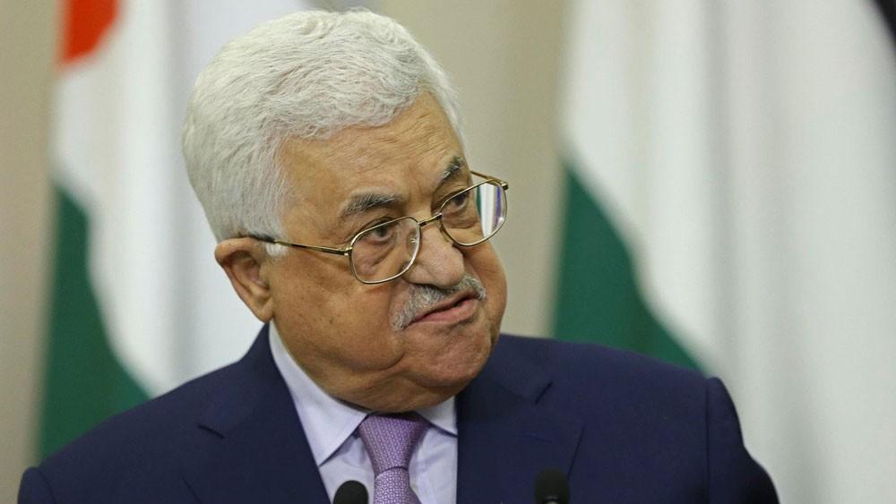 عباس: نقف مع السعودية ضد التدخل الكندي السافر
