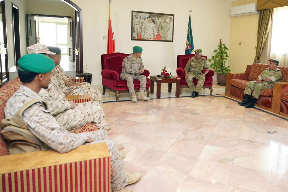 رئيس الحرس الوطني يستقبل قائد قوات درع الجزيرة المشتركة