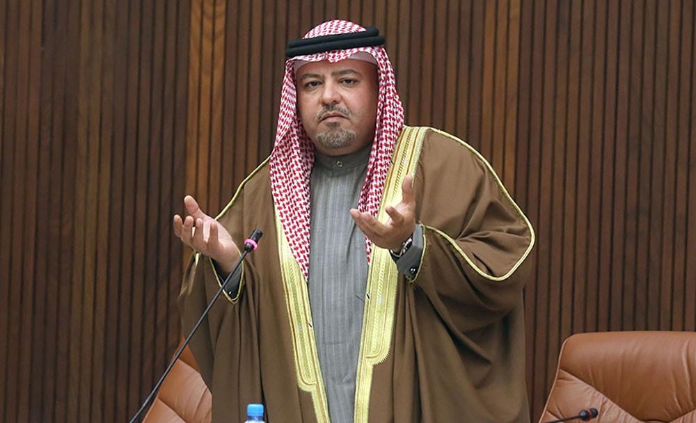 وزير العدل يعزي أسرة إمام مسجد بن شدة