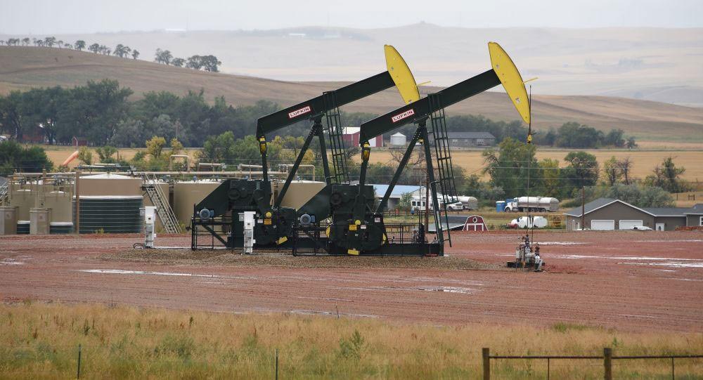ارتفاع عدد حفارات النفط والغاز في العالم الشهر الماضي