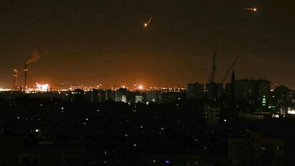 غزة.. إطلاق 70 صاروخا على مستوطنات إسرائيلية