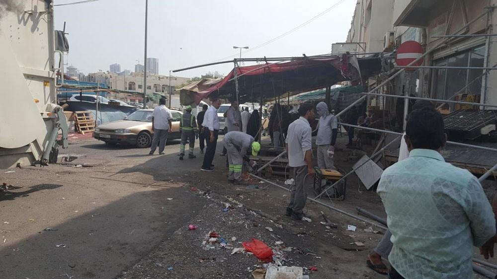 """""""الأمانة"""" ستنقل البحرينيين المخالفين لداخل السوق"""