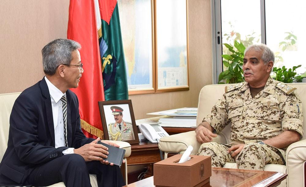 رئيس هيئة الأركان يستقبل سفير جمهورية إندونيسيا