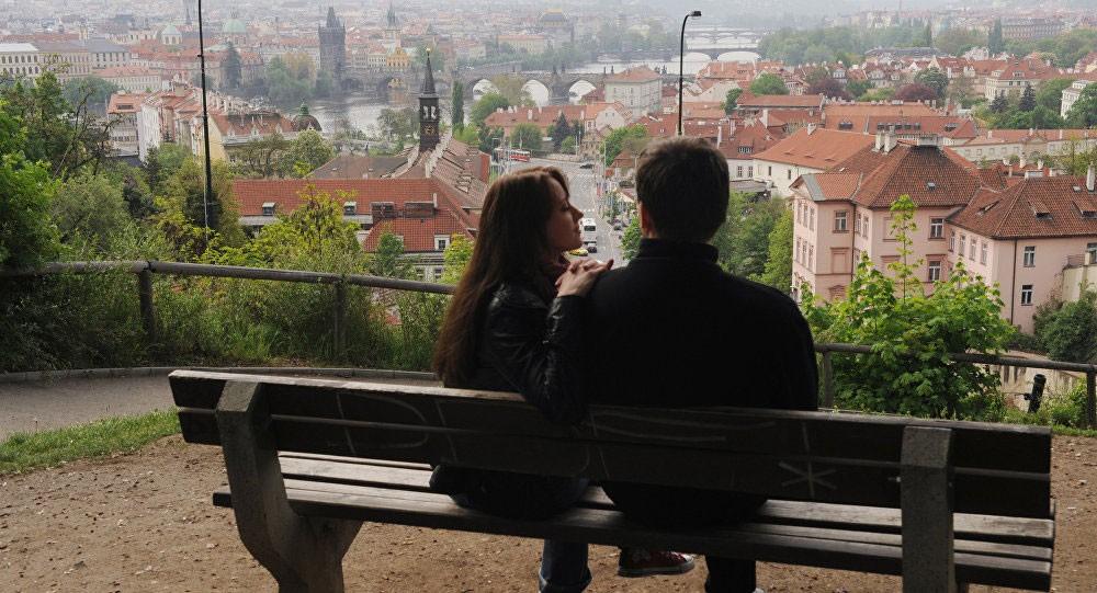 دراسة تكشف لماذا يكذب الرجال بشأن علاقاتهم النسائية