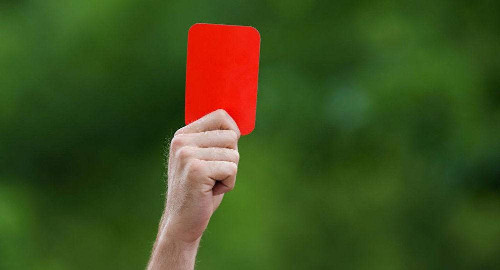 """إيقاف لاعب صيني 6 مباريات بسبب """"عنصريته"""" ضد لاعب سنغالي"""