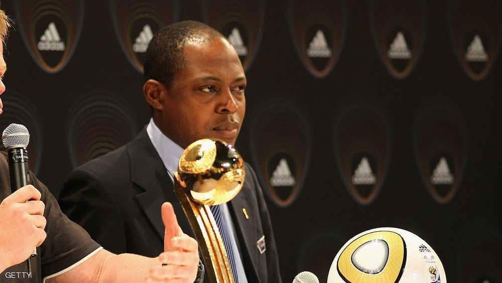 الفيفا يوقف أفضل لاعب أفريقي سابقا بسبب عطايا بن همّام