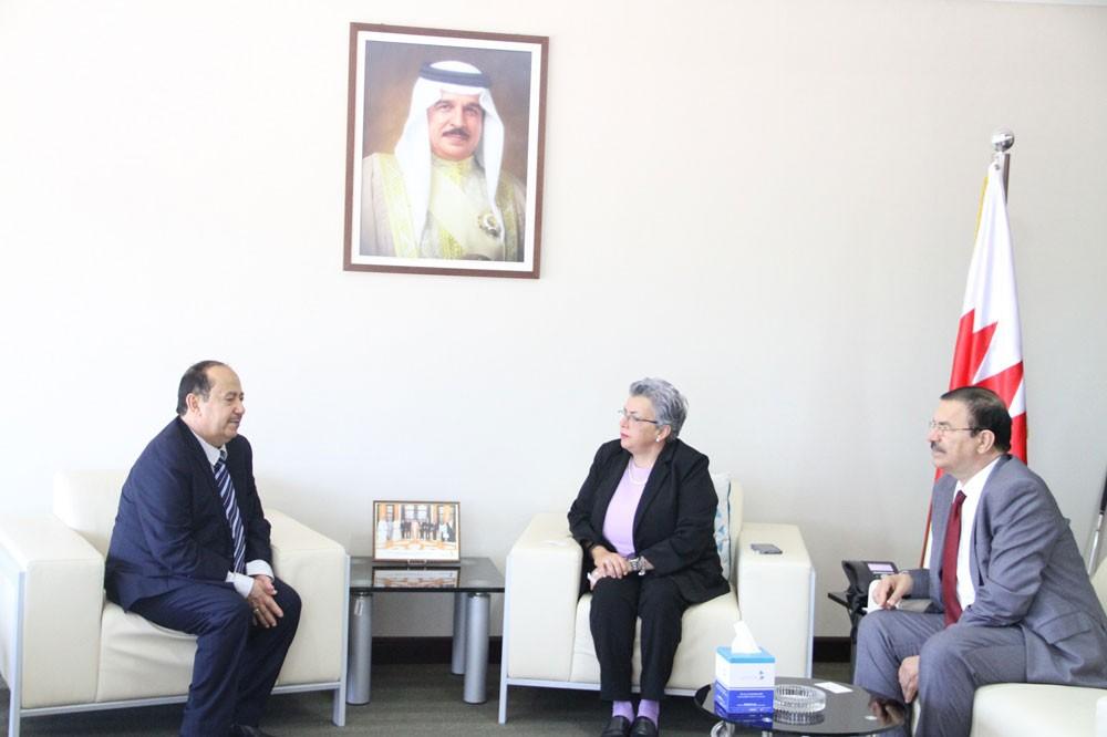 """""""حقوق الإنسان"""" تستعرض سبل التعاون المشترك مع السفير اليمني"""