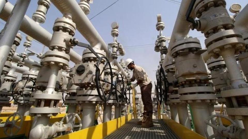 النفط يصعد بدعم من عقوبات إيران وتراجع الإنتاج