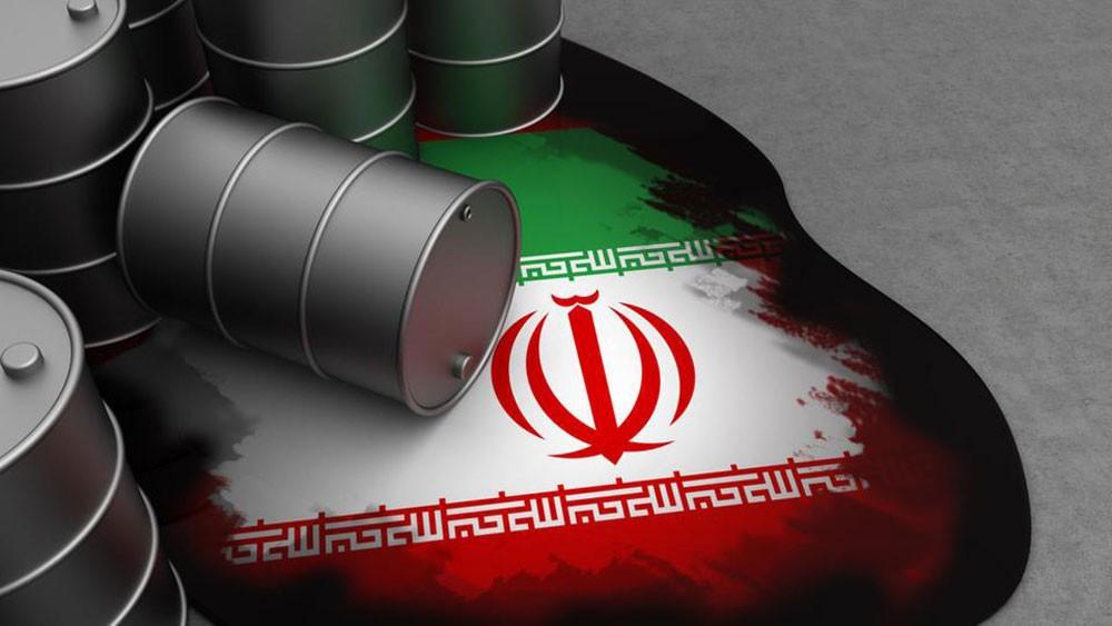 إيران تبيع نفطها بأقل سعر في 14 عاماً.. بسبب العقوبات