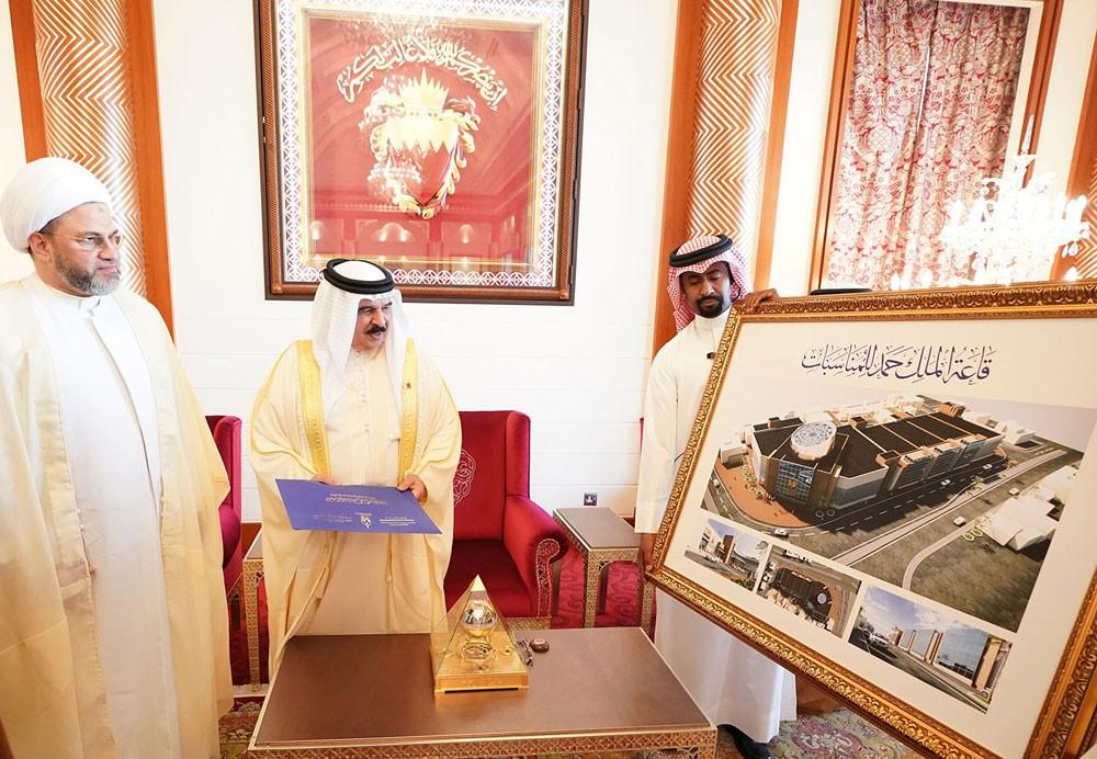 جلالة الملك المفدى يستقبل رئيسي مجلسي الأوقاف السنية والجعفرية