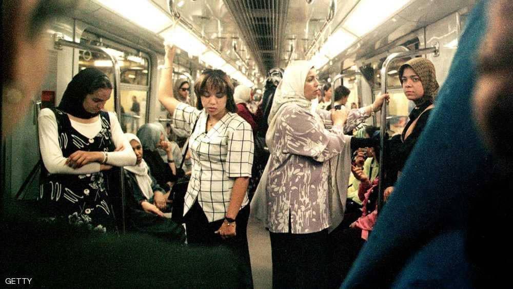 كيف تحول الحجاب لأداة سياسية بيد الجماعات المتشددة؟