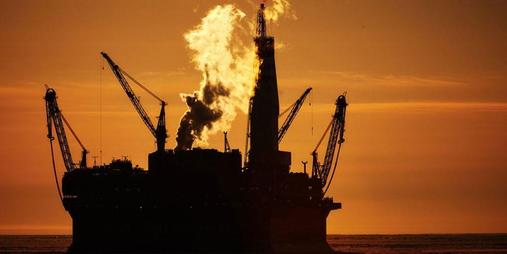 تراجع اسعار النفط بفعل زيادة المخزونات الامريكية