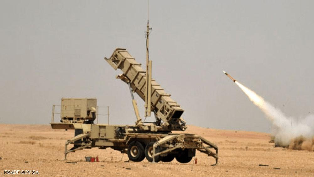 الدفاع الجوي السعودي يعترض صاروخا حوثيا