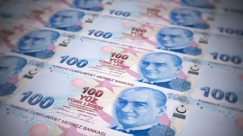 خفض تصنيف تركيا.. والليرة تواصل انهيارها