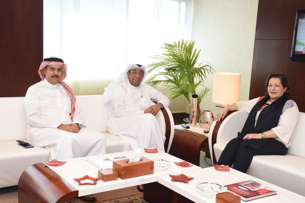 """""""الغرفة"""" تبحث آليات تعزيز العلاقات الاقتصادية البحرينية المصرية المشتركة"""