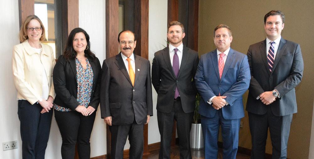 الوزير ميرزا يستقبل وفداً رفيع المستوى من لجنة الطاقة والتجارة بمجلس النواب الأمريكي