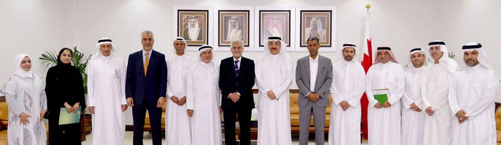 وزير العمل يلتقي نائب رئيس مجلس بلدي الشمالية وعدد من رؤساء الجمعيات الخيرية بالمحافظة
