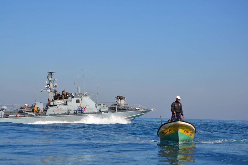 بحرية الاحتلال الإسرائيلي تعتقل صيادين اثنين شمال قطاع غزة