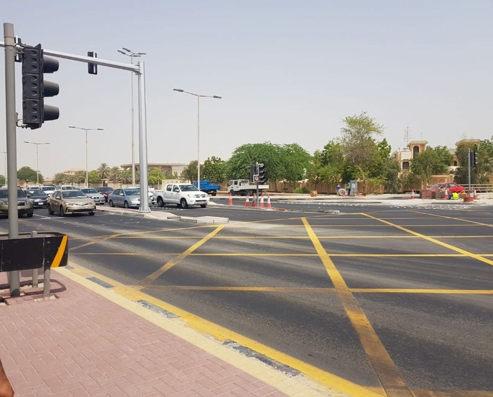 خلف: الانتهاء من مشروع إضافة مسار للانعطاف يسارًا من شارع الرفاع إلى شارع المحرق