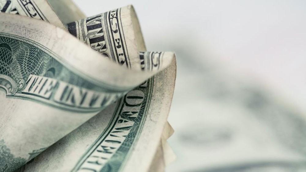 ماذا فعلت إدانة مستشاري ترمب بالدولار؟