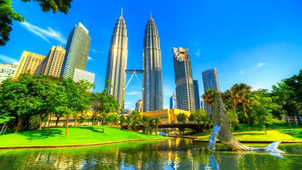 """ماليزيا تمنع الأجانب من شراء شقق في """"فورست سيتي"""""""