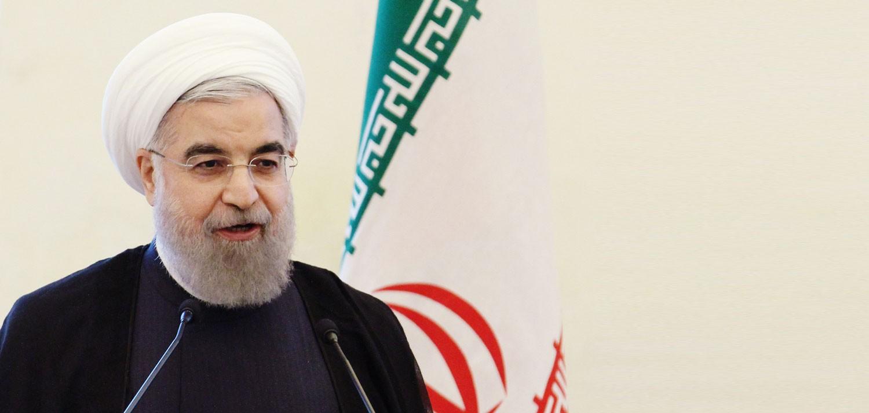 """روحاني يتحدى """"مجلس خبراء"""".. ويرفض تقديم تقرير اقتصادي"""