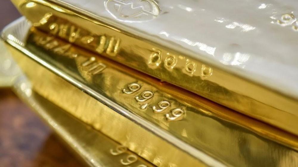الذهب يحوم حول 1200 دولاراً مع استقرار الدولار