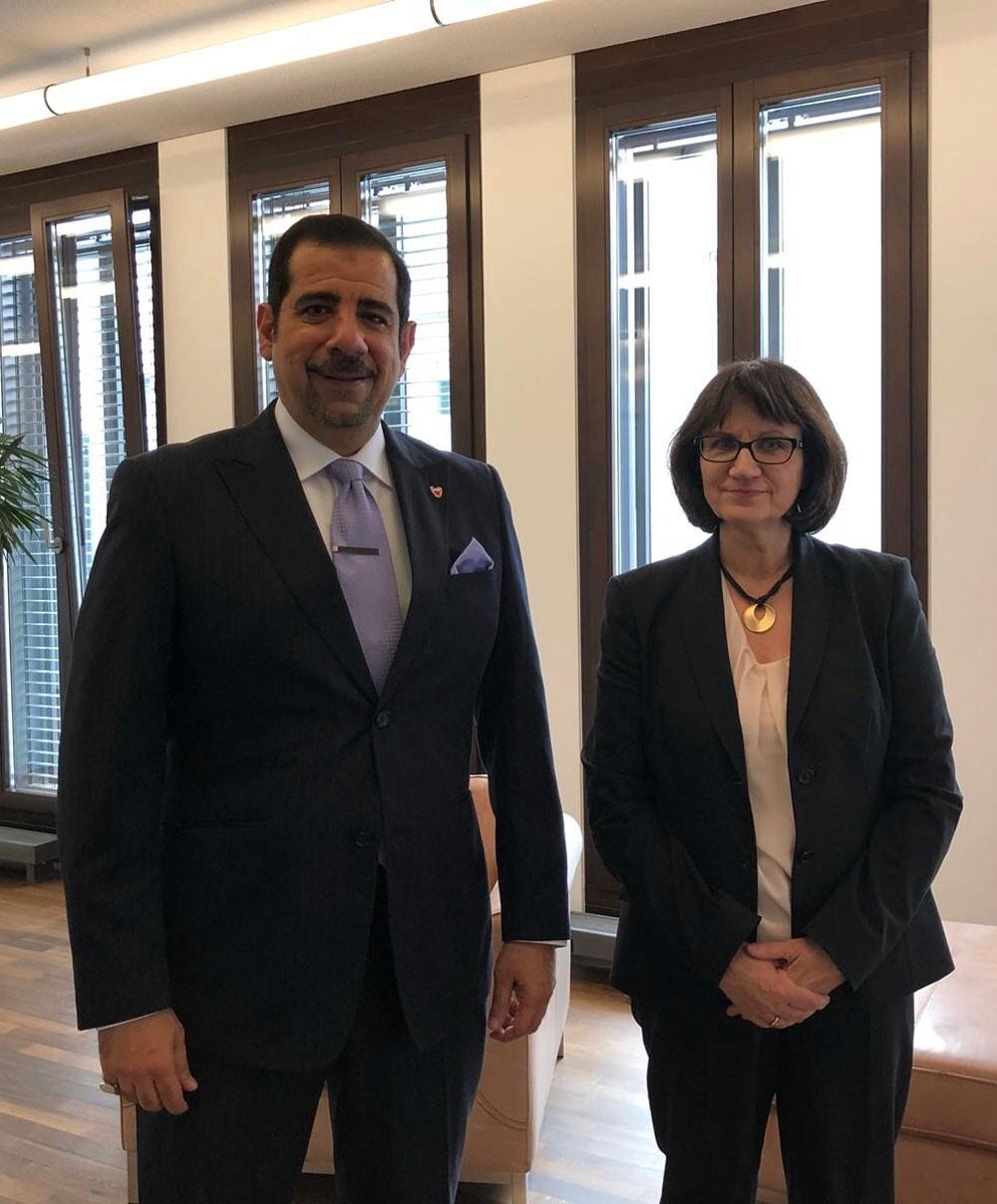 رئيسة المساواة بوزارة الأسرة بألمانيا تستقبل سفير البحرين في برلين