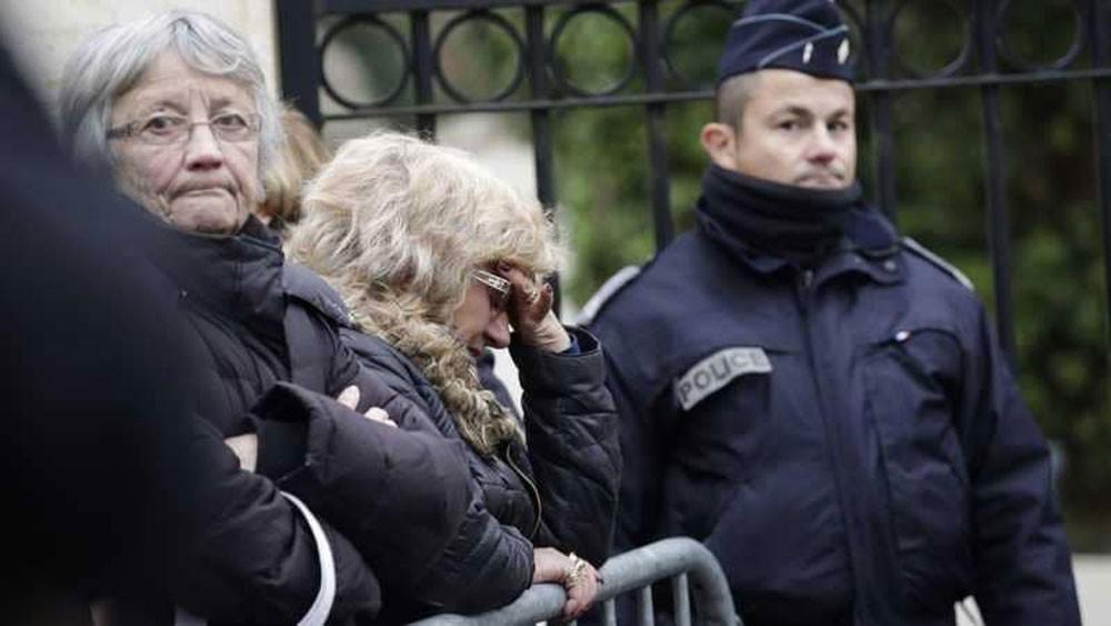 """فرنسا تحذر دبلوماسييها من السفر لإيران """"العدائية"""""""
